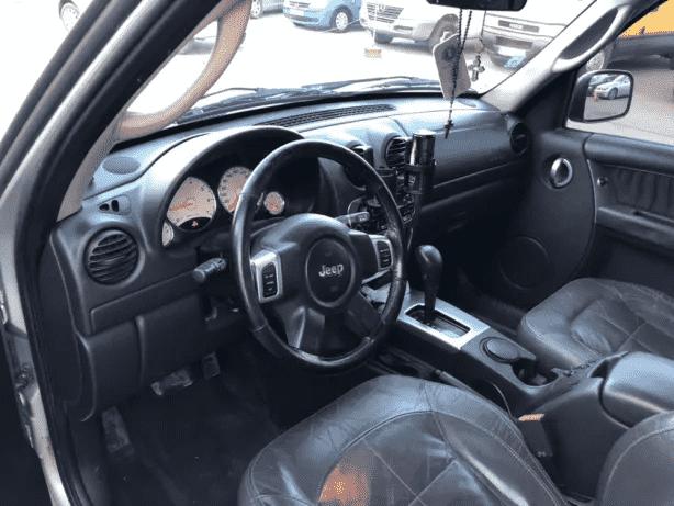 Jeep cherokee 3,7 benzina. Cutie automata